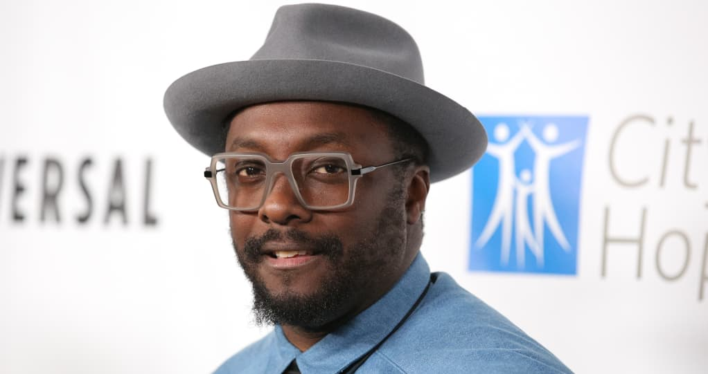 "Will.i.am claims ""racist"" flight attendant called the police on him in Australia"