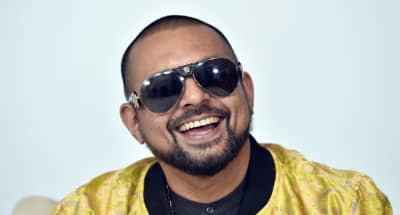 "Watch Sean Paul's dancefloor-ready ""Buss A Bubble"""