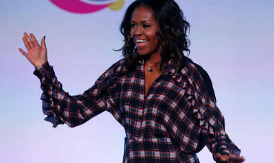 Michelle Obama really loves dancing at Beyoncé concerts