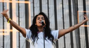 """Bibi Bourelly reflects on the state of the world in new song """"Whitehouse"""""""