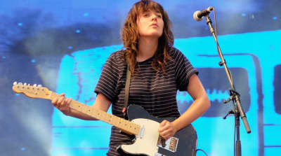 """Hear Courtney Barnett's new song """"Everybody Here Hates You"""""""