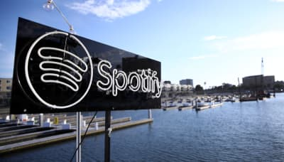 Pre-saving music on Spotify lets labels track and change your data