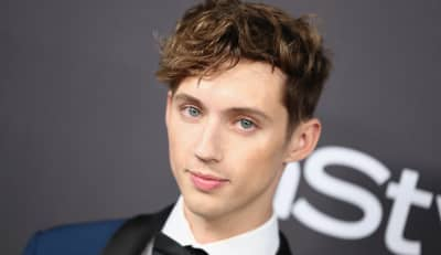 "Troye Sivan shares ""Easy,"" announces new EP"