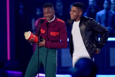 "Moonlight Stars Ashton Sanders And Jharrel Jerome Won MTV's ""Best Kiss"""