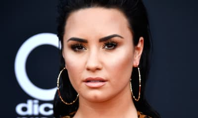 Demi Lovato reveals Scooter Braun is her new manager