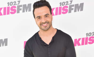 "Luis Fonsi Forgives Justin Bieber For ""Despacito"" Lyrics Flub: ""It's Kind Of Tongue-Twisty"""