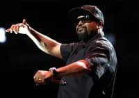 """Ice Cube teams up with The Roots for """"That New Funkadelic"""" on Fallon"""