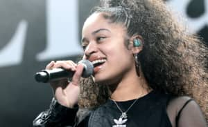 Ella Mai announced as SNL musical guest for November 17