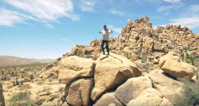 "Hak Heads To Joshua Tree In ""Aura"" Video"