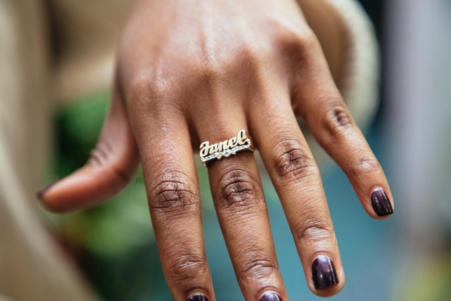 Documenting the rich cultural history of nameplate jewelry