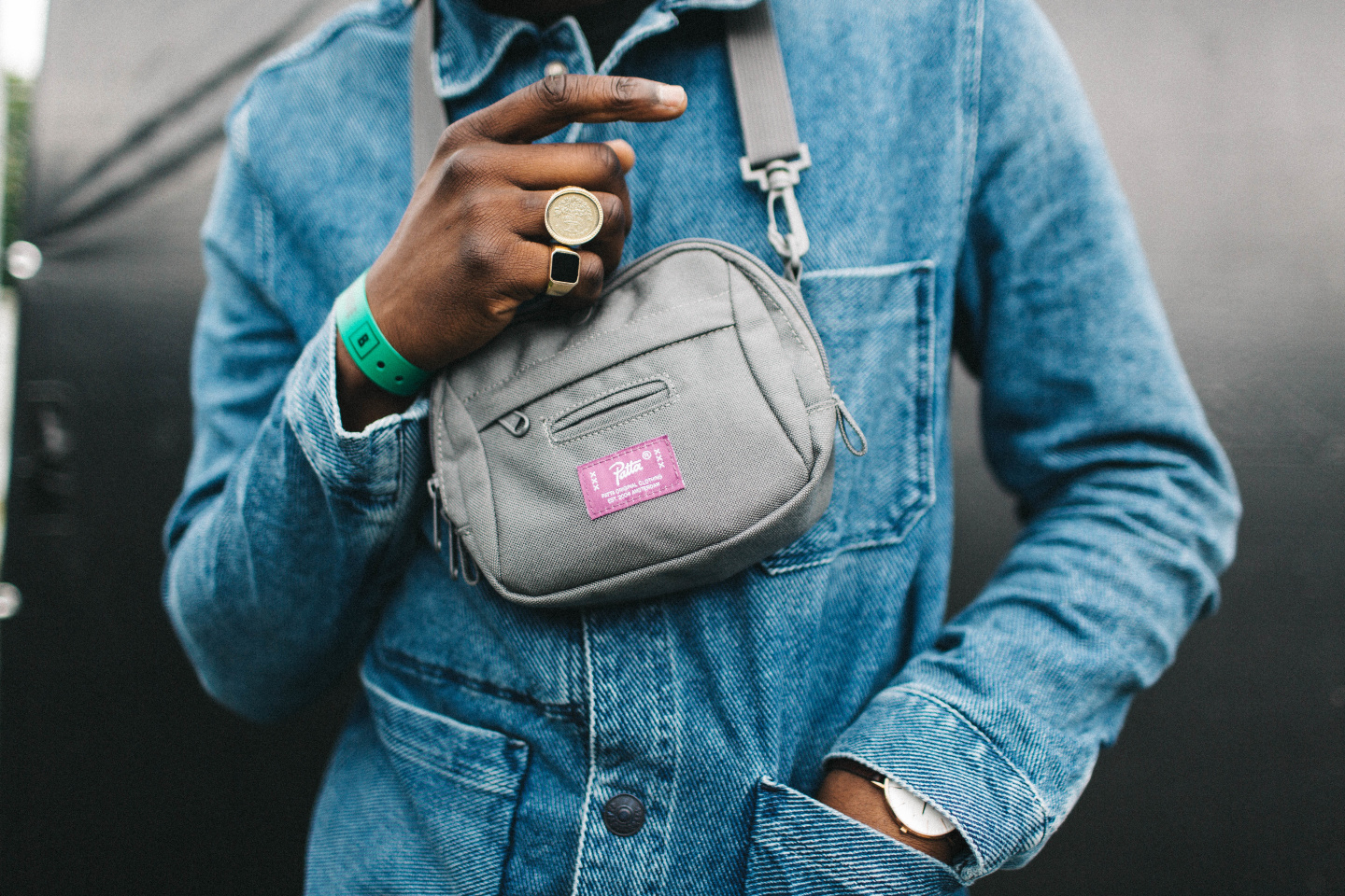 16 Reasons You Need To Go Buy A Fanny Pack Right Now