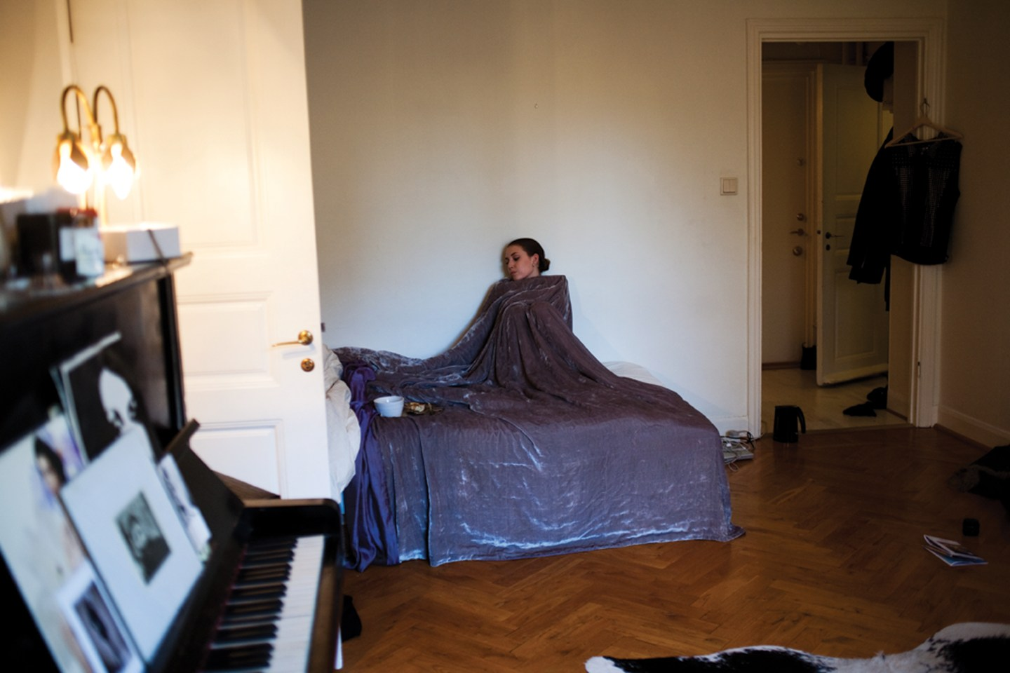 These Cozy Photos Show Some Of Our Favorite Artists In Bed