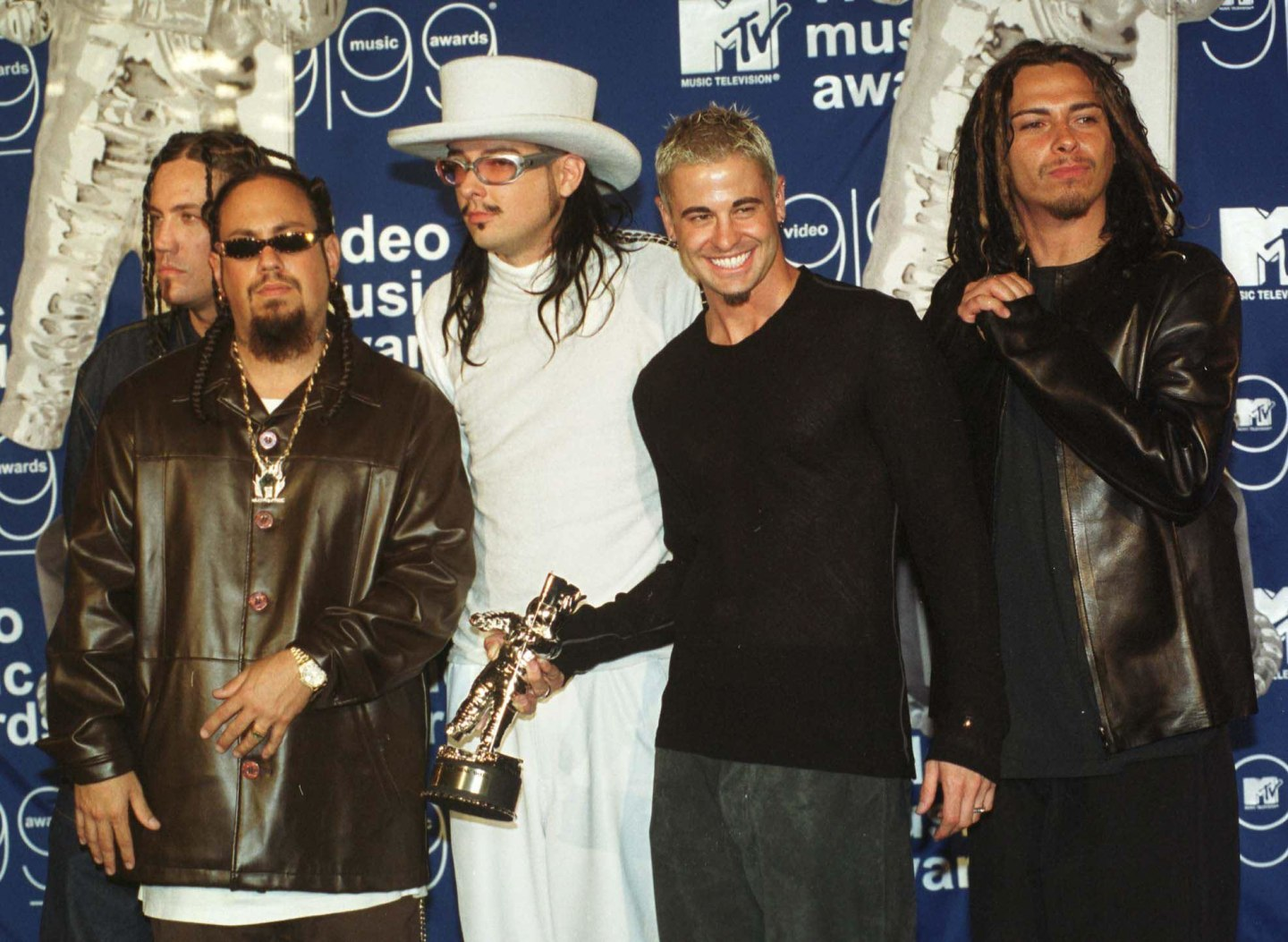 """The definitive oral history of Korn's """"Freak On A Leash"""