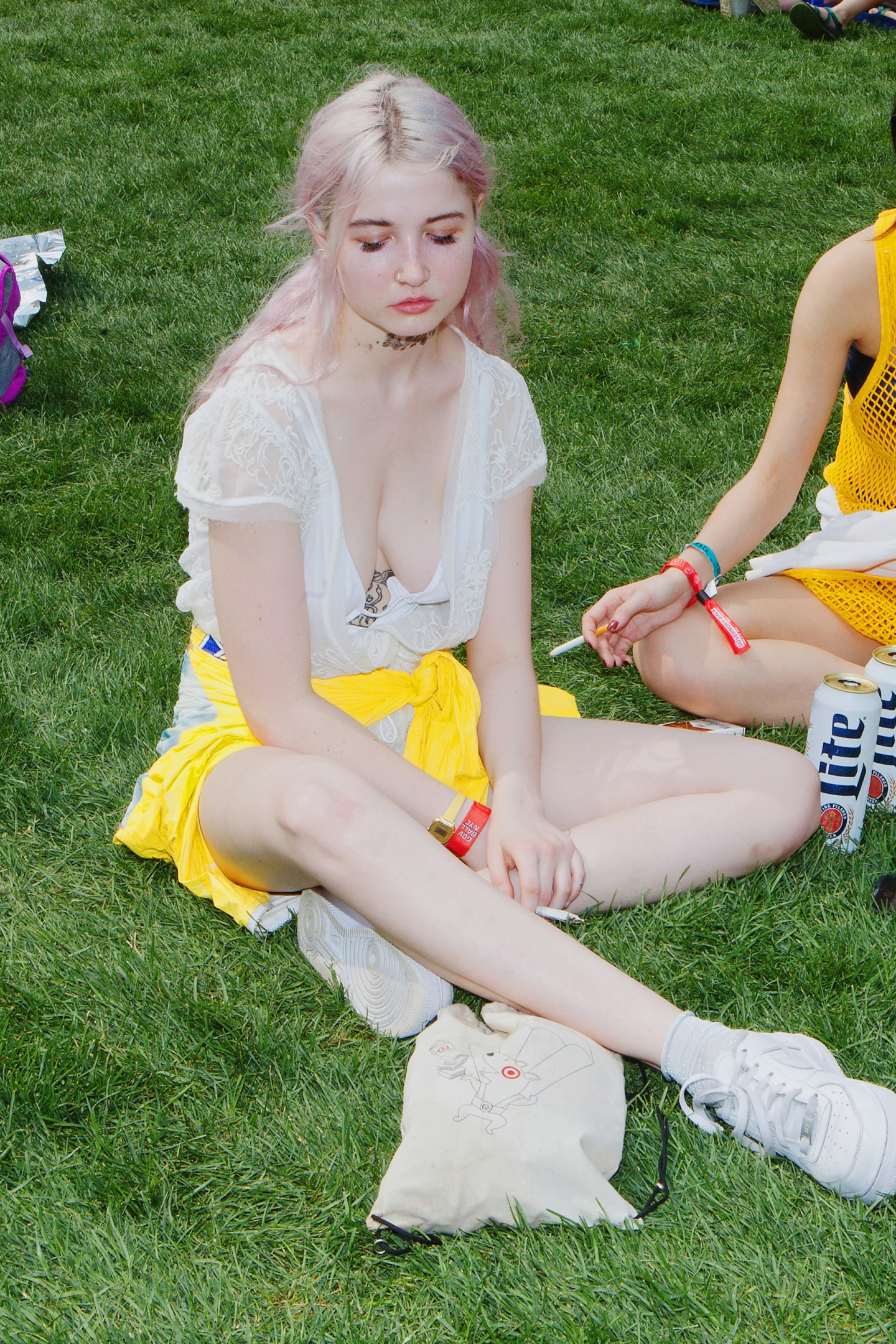 22 Laid-Back Festival Outfits To Copy This Summer