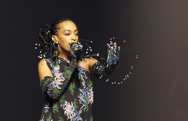 Solange shares director's cut of When I Get Home performance art film