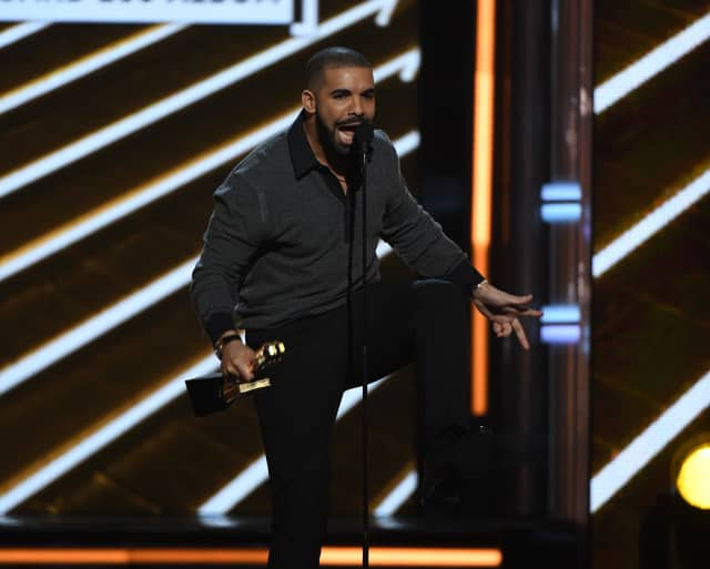 Watch Drake Give A Shout-Out To His Dad While Accepting His