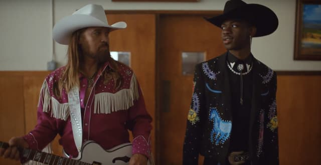 """Lil Nas X and Billy Ray Cyrus are outlaws in the """"Old Town"""