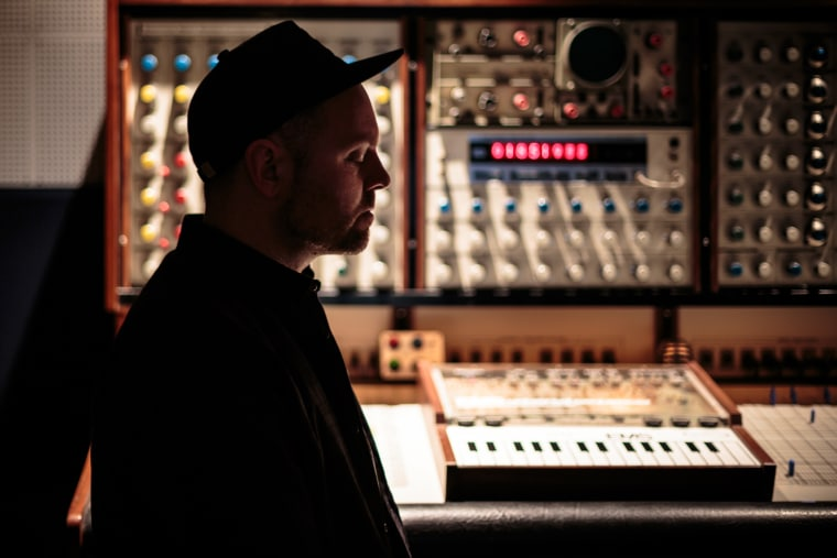 "DJ Shadow Teams With Composer Nils Frahm For ""Bergschrund"""