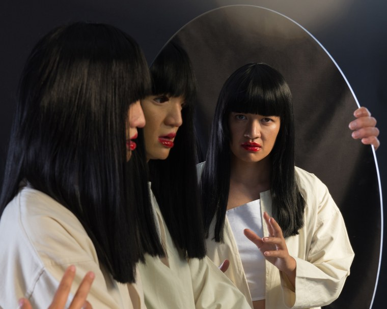 Stream Sui Zhen's mesmerizing new album <i>Losing Linda</i>