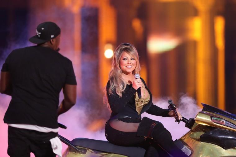 Watch Mariah Carey Perform Live On A Jet Ski