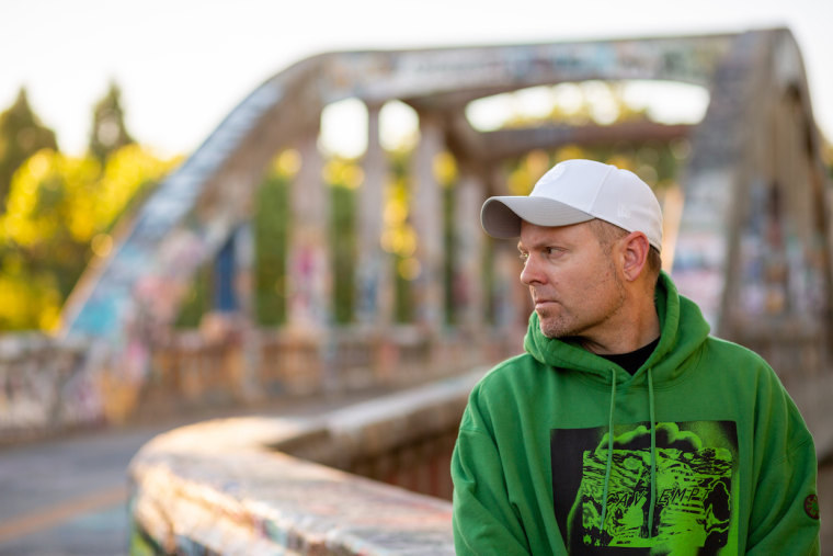 "DJ Shadow and De La Soul unite on new song ""Rocket Fuel"""