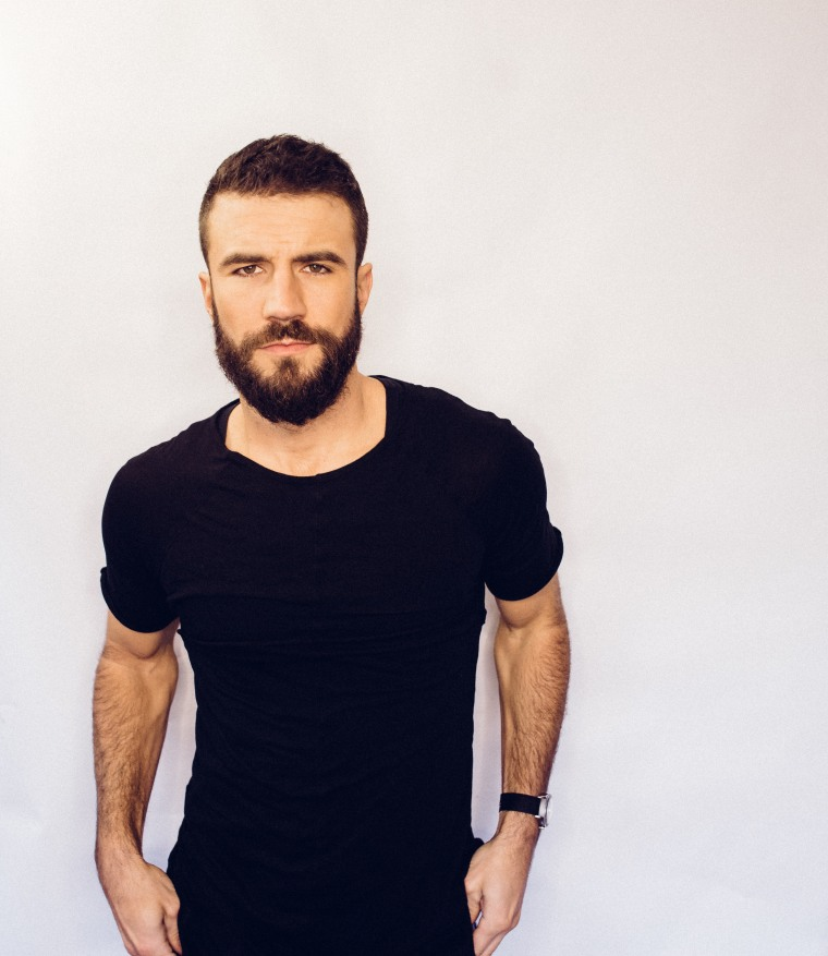 "Sam Hunt Makes Surprise New Years Return With ""Drinking Too Much"""
