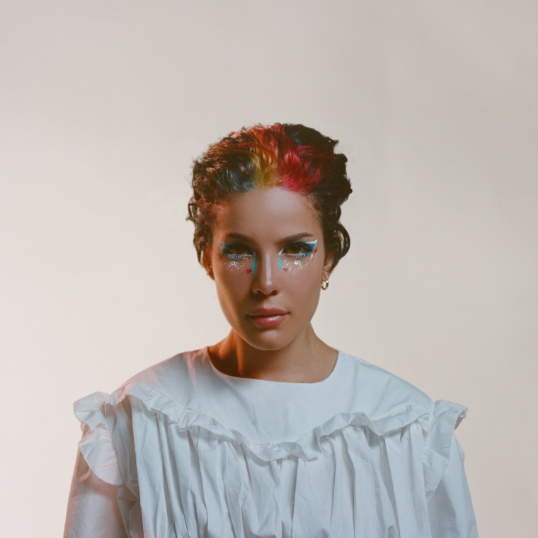 Halsey's <i>Manic</i> is here