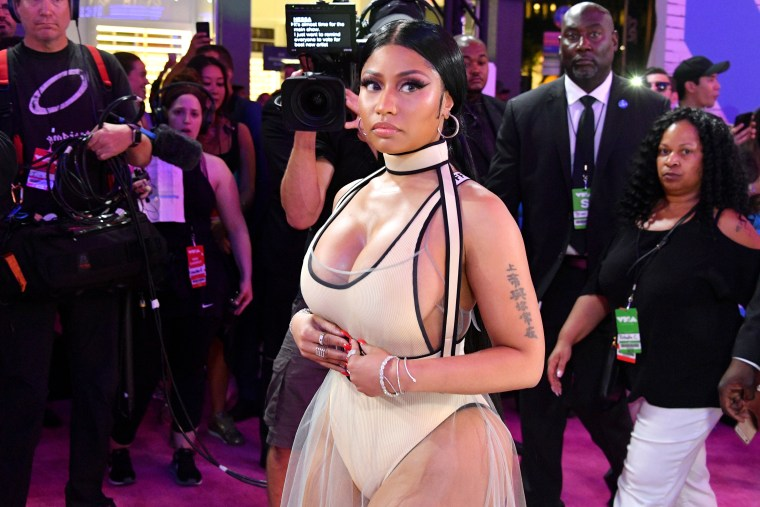 Nicki Minaj said 6ix9ine wasn't approved to perform at 2018 VMAs