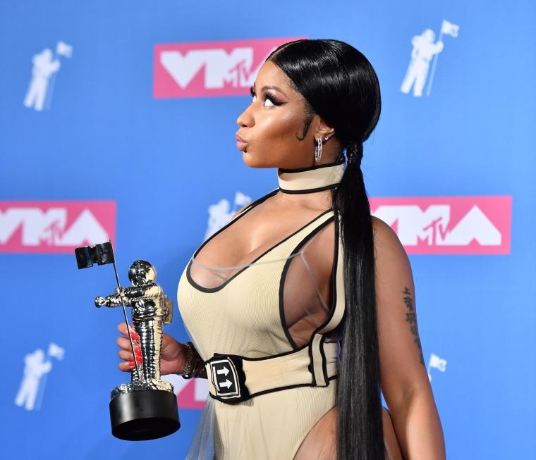 Watch Nicki Minaj's VMAs performance