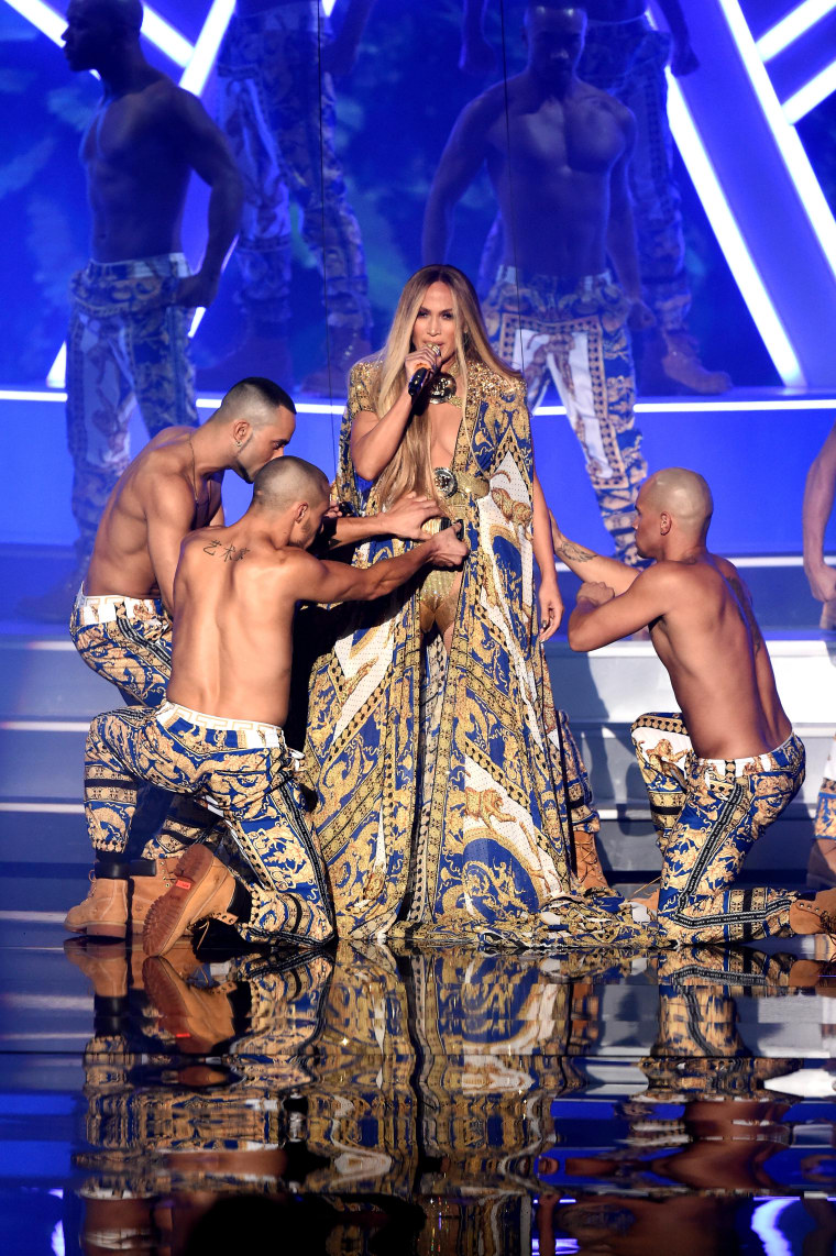 J. Lo and her VMA backup dancers brought the heat