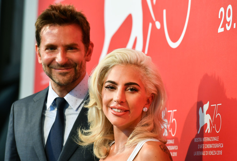 "Lady Gaga fans are scamming Twitter users to stream ""Shallow"" for free Starbucks"