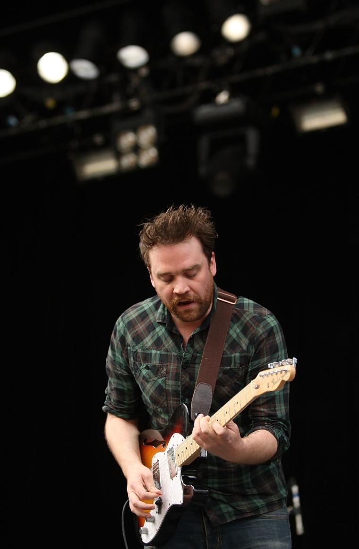 Scott Hutchinson, lead singer of Frightened Rabbit, is dead at 36