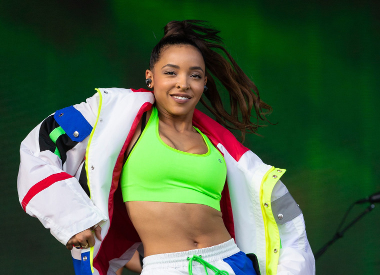 Tinashe has left her label