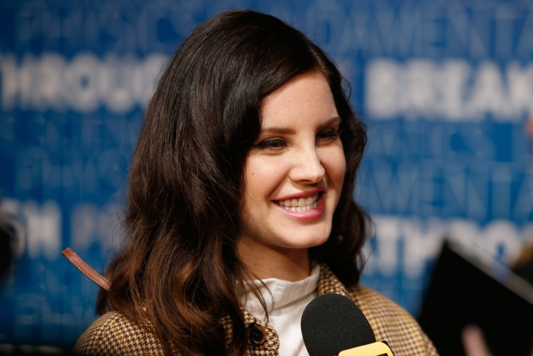 Lana Del Rey finishes work on next album, says new song out next week