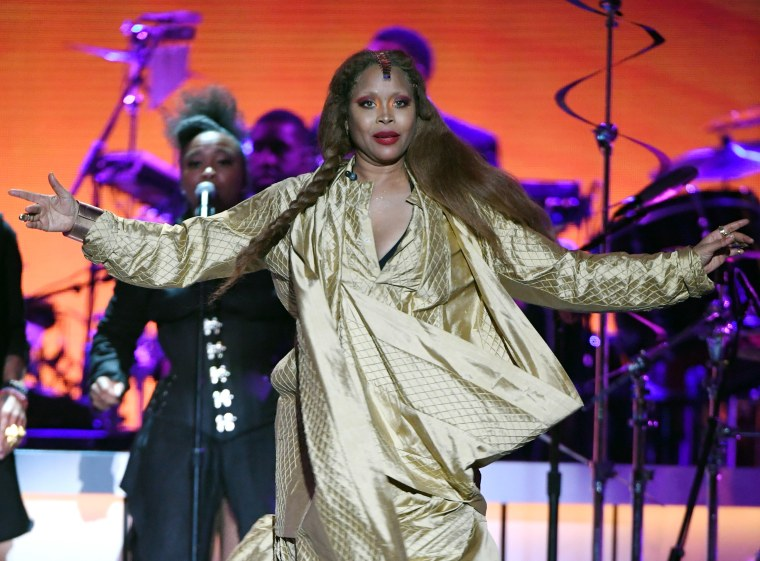 Erykah Badu clashes with <i>Surviving R. Kelly</i> producer on Twitter