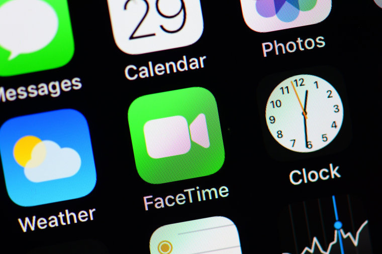 Apple disables Group FaceTime after bug allows users to listen in on contacts