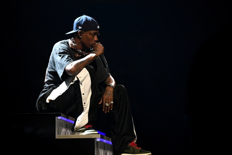 Report: Travis Scott may require surgery after dislocating knee at Rolling Loud