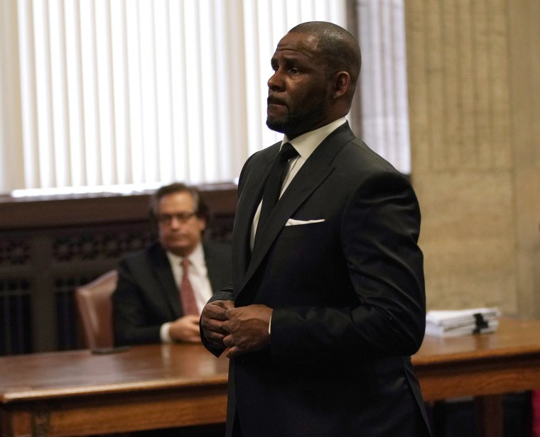 """Report: R. Kelly files for pre-trial release citing health issues and """"stifling"""" prison conditions"""