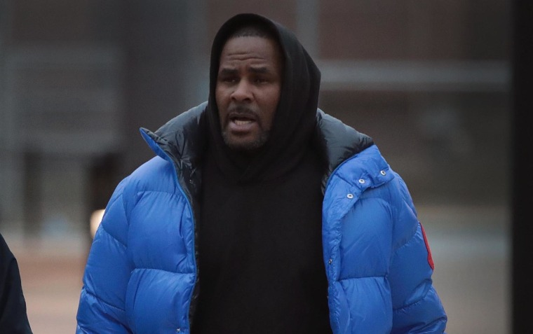 "R. Kelly calls allegations against him ""stupid"" in first televised interview post-arrest"