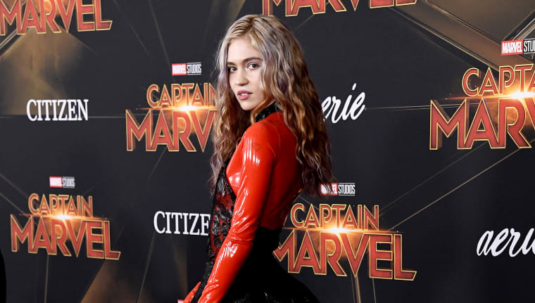 """Grimes says she wants to make """"villain"""" music, compares herself to <i>Avengers</i>' Thanos"""