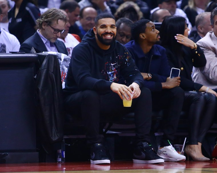 Drake ingeniously broke the Drake curse by wearing 76ers gear during