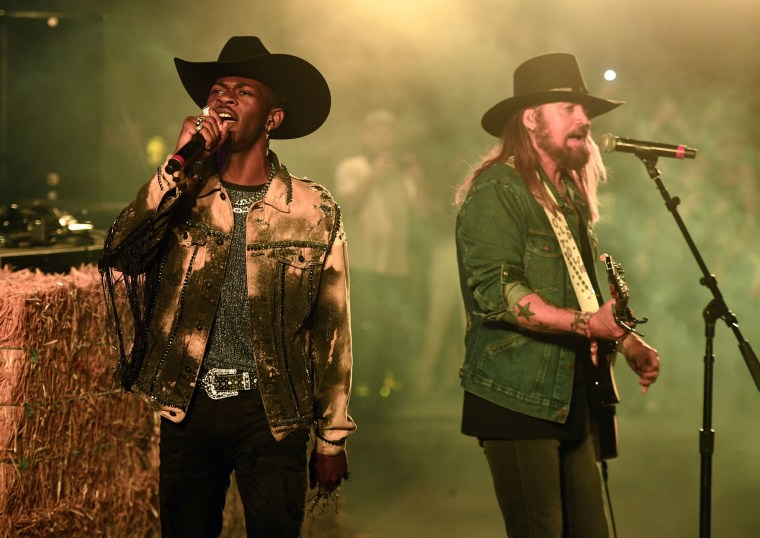 """Old Town Road"" snubbed for major prizes as 2019 Country Music Awards reveal nominees"