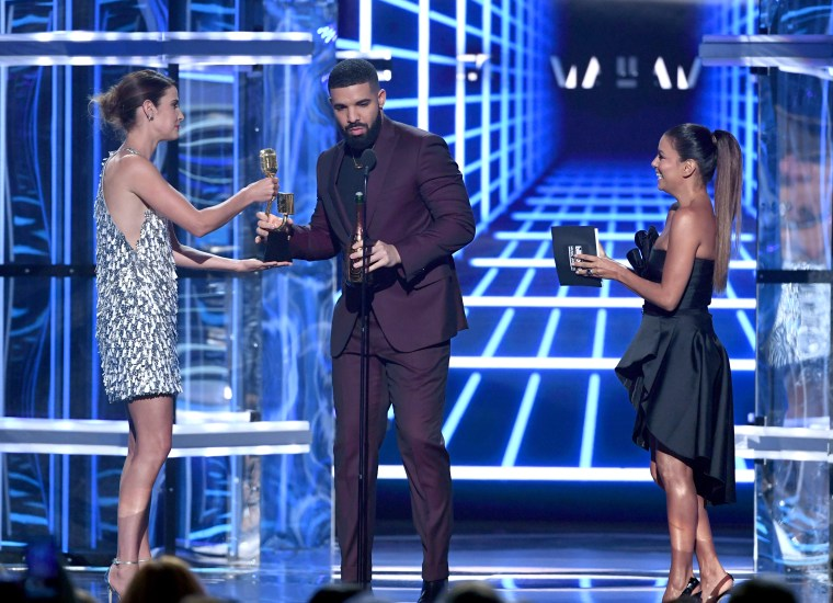 Drake shouted out Arya Stark in his <I>Billboard</i> Awards speech