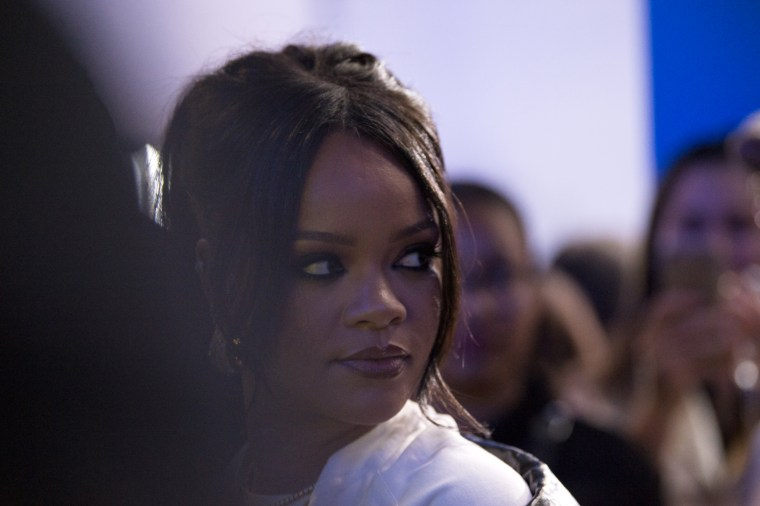 """Rihanna apologizes to Muslim community for """"offensive"""" song played during Fenty fashion show"""