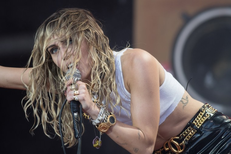 """Miley Cyrus denies cheating rumors: """"you can say I am a twerking, pot smoking, foul mouthed hillbilly but I'm not a liar"""""""