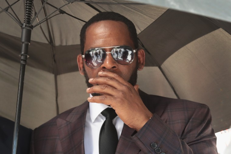 R. Kelly arrested on child pornography charges