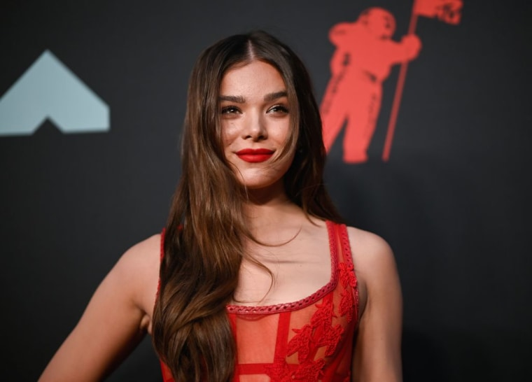 """Hailee Steinfeld pours her heart out on new ballad """"Wrong Direction"""""""