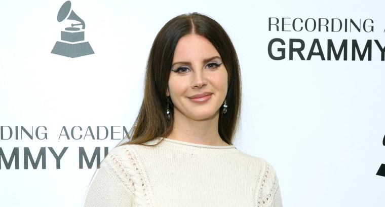Lana Del Rey prepares for the new album & # 39; Freestyle Poetry & # 39