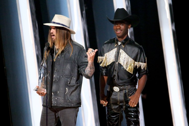 """""""Old Town Road (Remix)"""" has won a CMA award for Musical Event of the Year"""