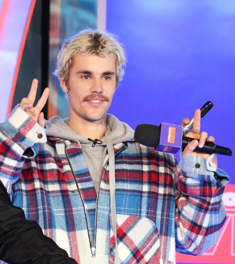 Justin Bieber drops new album <i>Changes</i>